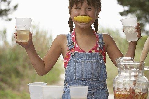Lekce pro dětské podnikatele: Když po vás život hází samé citrony, připravte citronádu!