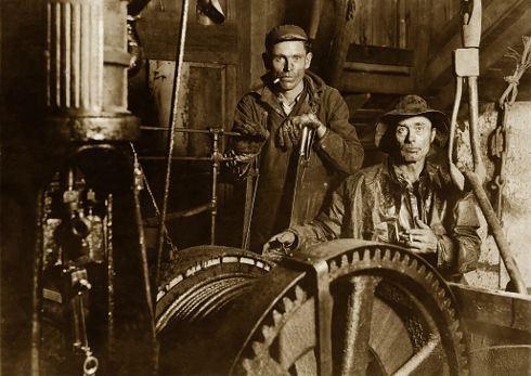 """Zpátky ke strojům: Průmysl je zase """"in""""!"""