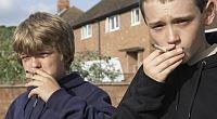 Internetové obchody s tabákem a alkoholem jsou pro děti pořád otevřené