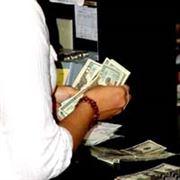 Dluh z kreditky zaplatíte i přes bankomat