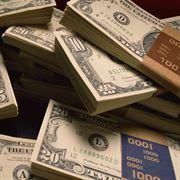 Poplatek za nadměrný vklad hotovosti opravdu existuje
