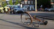 Sražený cyklista bez přilby se plného odškodnění dočkat nemusí