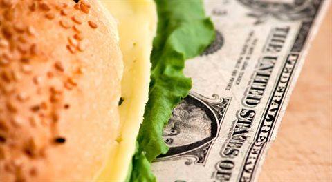 Minimální mzda a sociální podpora McDonald's