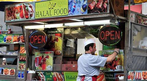 Muslimští strašáci versus názor odborníka: 1:0