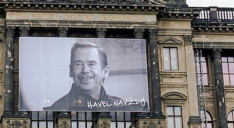 Pozitivní zprávy: Chystají se tepláky zn. Havel