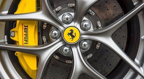Ferrari na burze: Investovat na plný plyn?