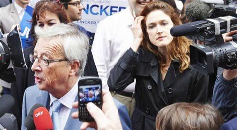 Juncker kupuje reklamu na Junckera. Je určená vám a vy ji taky zaplatíte