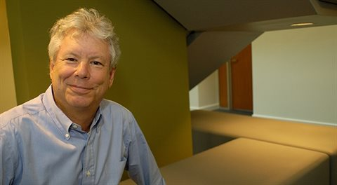 Richard Thaler: Zrušte hotovost