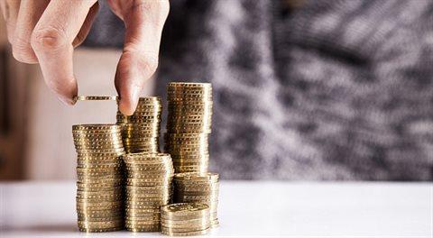 Analýza: Kolik bych si měl spořit na důchod?