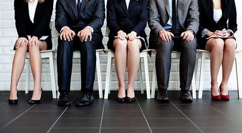 Absolventům: Jak si hledat práci