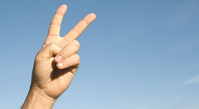 Nejdrsnější podvodník: kvůli pojistce si usekl dva prsty
