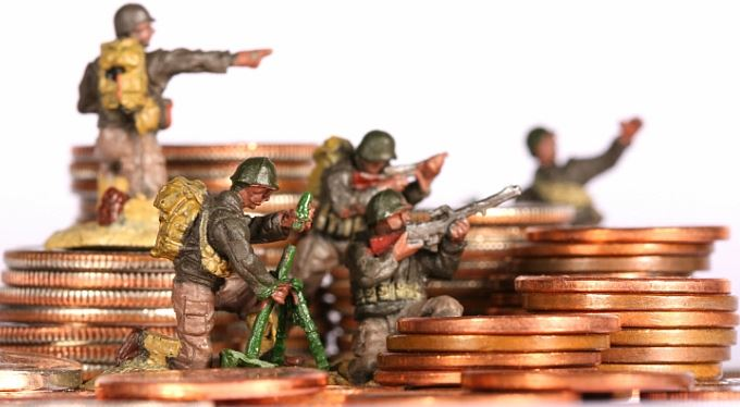 Měny 2013 a 2014: Člověk míní, centrální bankéř mění
