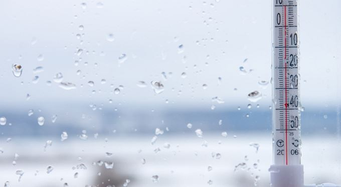 Účet mírné zimy. Lidé ušetří až sedm tisíc korun