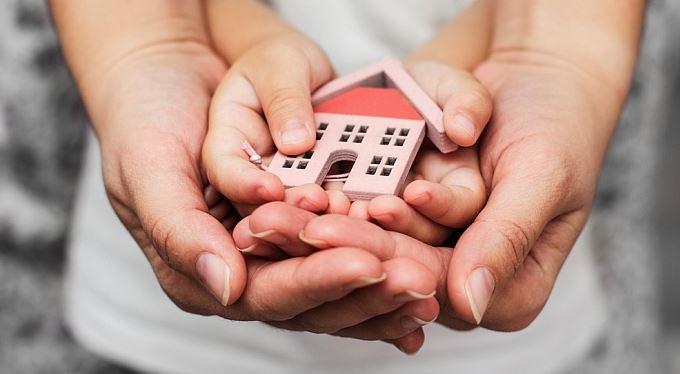 Jak přenechat majetek. Darování, nebo dědictví? Co se víc vyplatí