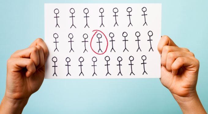 Víc než 145 tisíc lidí hledá práci marně víc než rok
