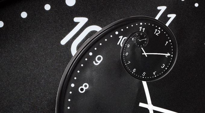 Pracovat o dvě hodiny míň za stejně peněz? Už teď máme problém, říkají firmy