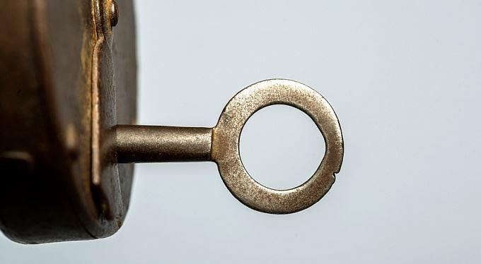 Klíč k určování finančních podvodníků
