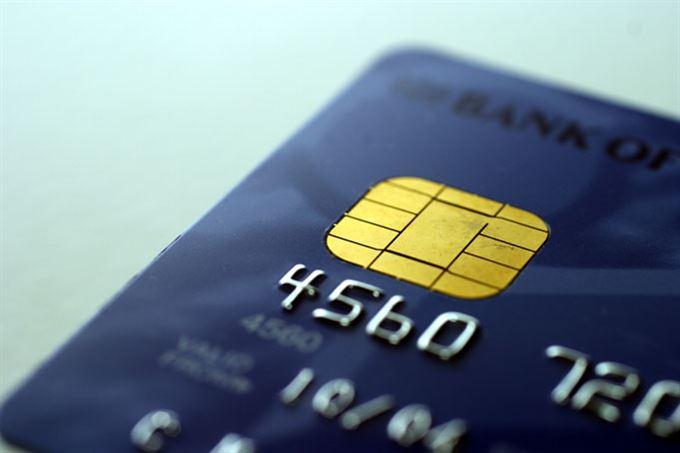 Karta – zadní vrátka k účtu