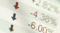 Akcie: Páteční propad smazal předchozí zisky