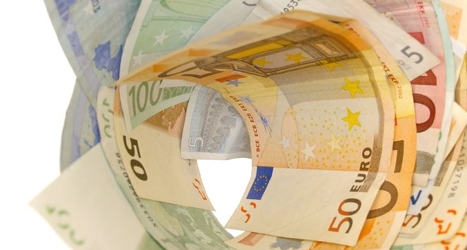 Koruna, euro a investice