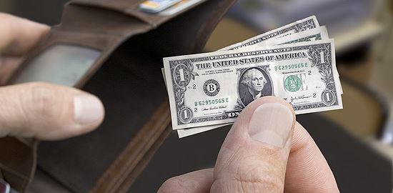 Dolar v ohrožení
