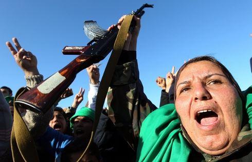 Západ v Libyi: Křižáci, hlupáci, nebo lidumilové?