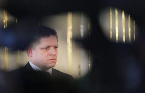 Slovensko potřebuje peníze. Fico bude ždímat!