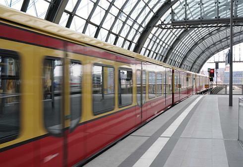 Bratislava buduje S-Bahn. Proč to nejde v Praze?