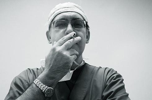 """Blamáž na spadnutí. Tenhle """"protikuřácký zákon"""" bude tabáková lobby milovat"""
