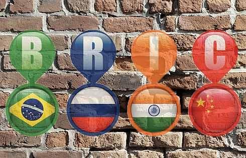 Drolící se cihly: Co se děje s Indií?