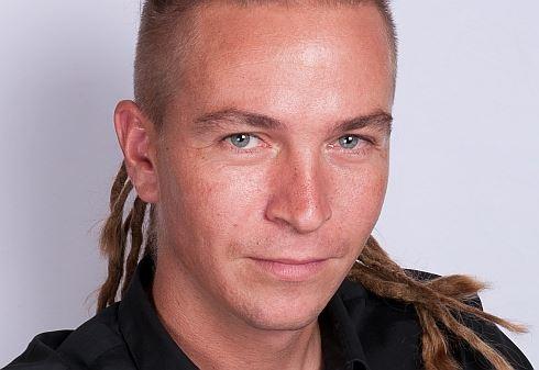 Volební speciál: Vaše peníze. Jak s nimi chtějí hospodařit Ivan Bartoš a Česká pirátská strana