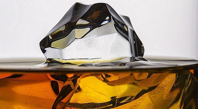 Dvojitá irská whiskey a relax v (daňovém) ráji