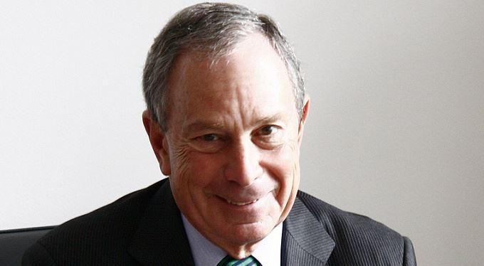 Michael Bloomberg: Selfmademan černým koněm amerických voleb?