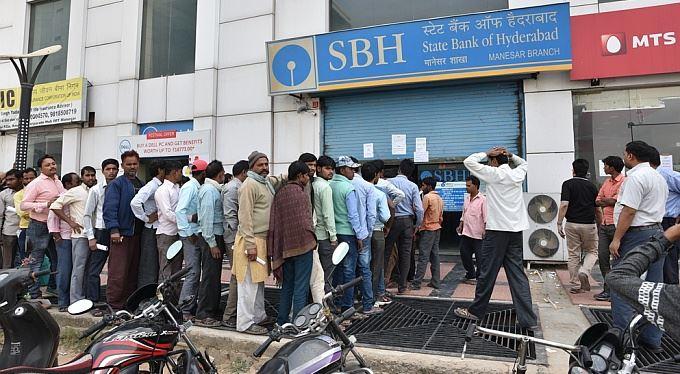 Indický masakr měnovou pilou