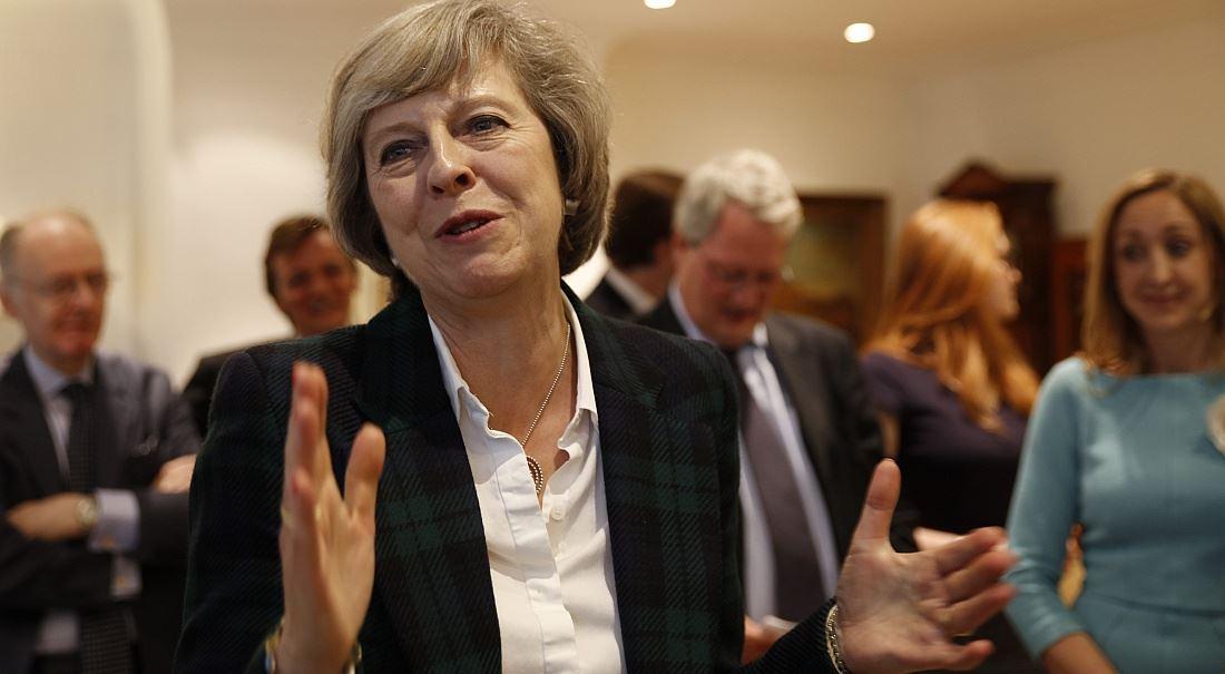 Oběšený parlament je horší než rudý Corbyn