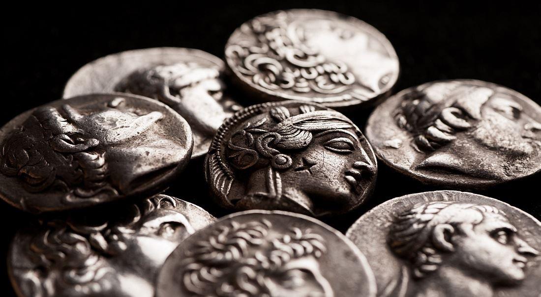 Starořecká lekce: Bohatí platí daně rádi. Když nemusí