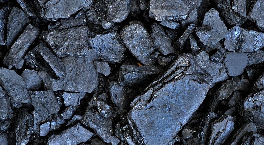 Uhlí znovu nad zlato