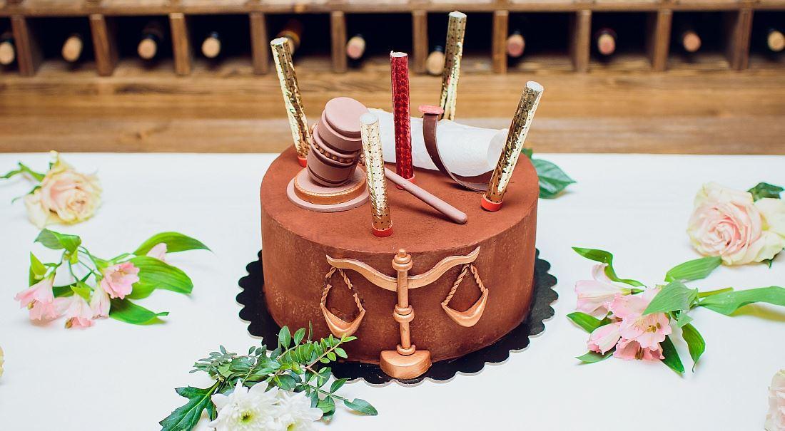 Vědci prokázali, že… Opravdu soudce s cukrem v krvi nerad sahá po biči?