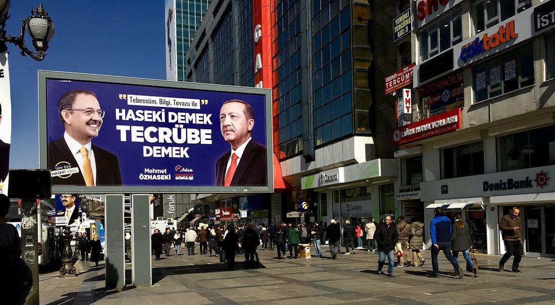 Nervózní sultán: Turecko se chystá na volby a Erdoğan nemá vítězství jisté
