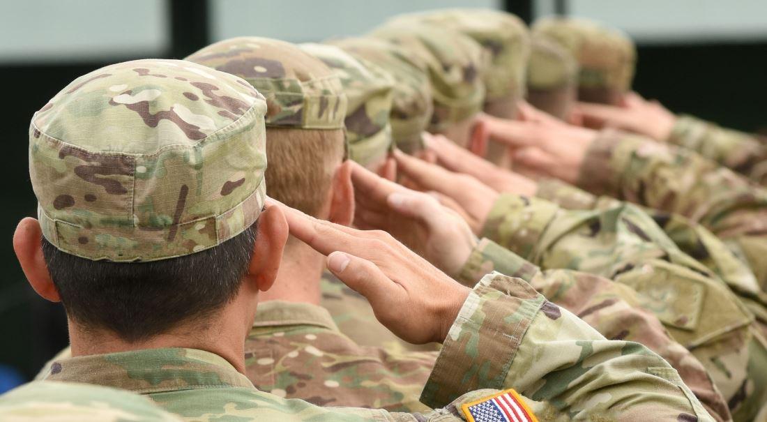 Rozbijte prasátko, nakupte americké vojáky