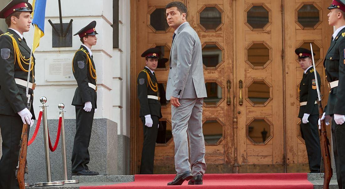 Ukrajina vybírá mezi neradostnou realitou a televizním snem