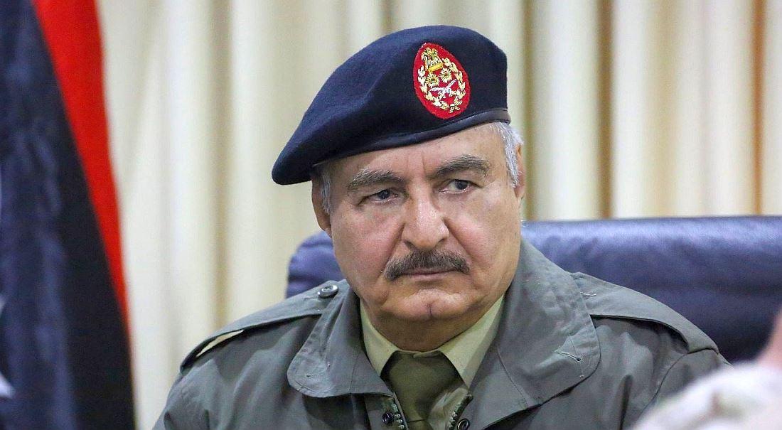 Zachránce-diktátor. Silný muž Haftar chce v Libyi zavést pořádek