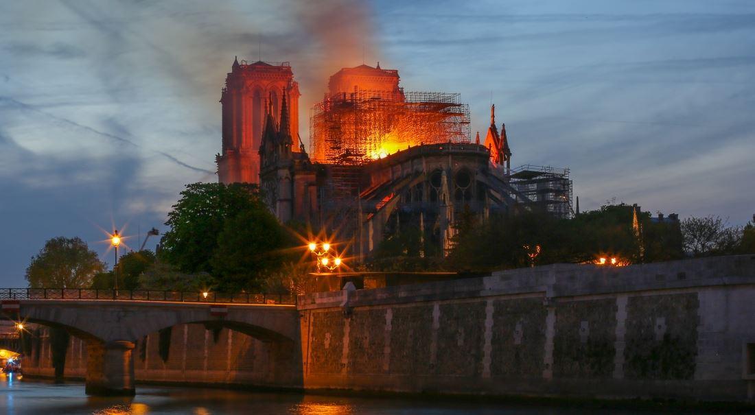 Bídníci vs. Notre-Dame