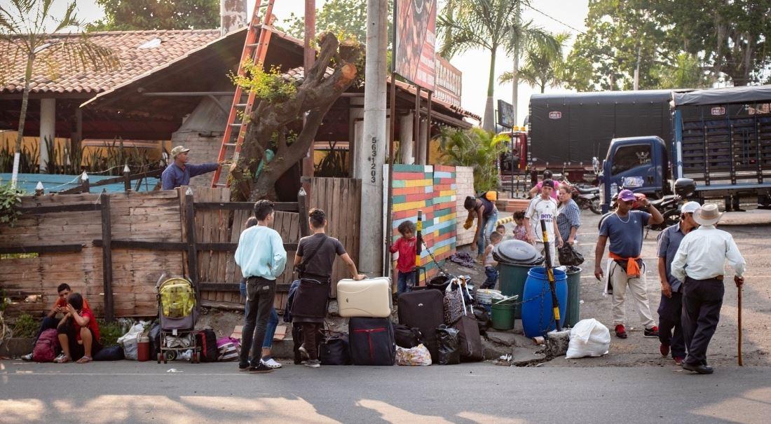 Z hladové země. Miliony Venezuelanů opustily domov