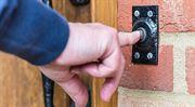 Deset nejčastějších lží podomních prodejců elektřiny