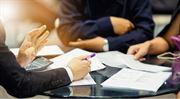 Radit si nechejte od profíků: Dva nové tituly pro finanční poradce