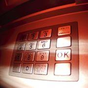 Jak si u platební karty nastavit bezpečný PIN