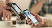Mobil a hodinky místo plastové karty. Zájem prudce roste