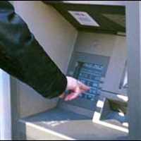 Kartu banka zablokuje zdarma. A vás to může přijít dráž