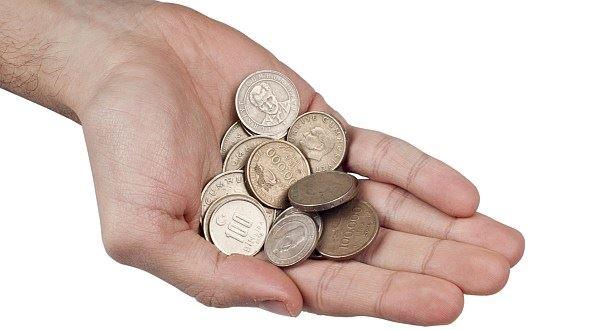 Část výplaty bokem na ruku. Proč se černé peníze nevyplatí